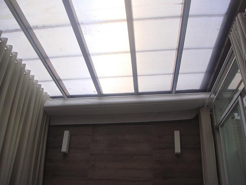Không gian xanh của căn biệt thự dưới góc nhìn từ mái lấy sáng